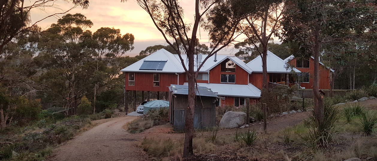 Bed in the Treetops BnB – Quality spa accommodation at the Bay of